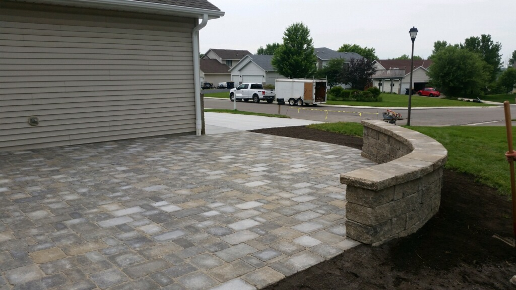 Concrete-Driveway-Pavers-near-Apple-Valley-MN