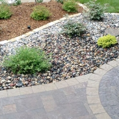 Paver-sidewalk-with-edge-Concrete-Excellence-Burnsville-MN