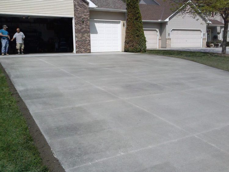 Concrete driveway concrete excellence burnsville mn for How to build a concrete driveway